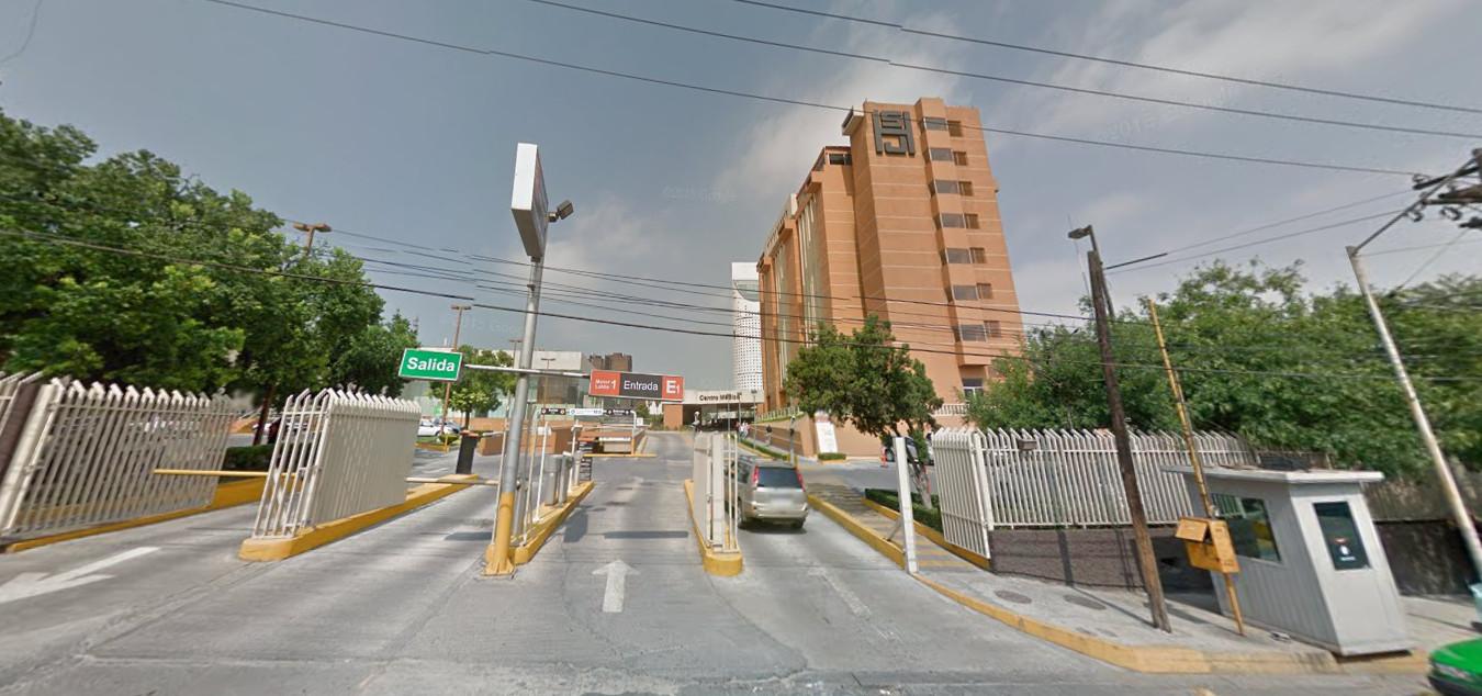 Entrada al centro médico San José