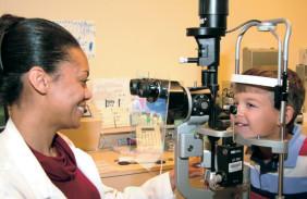 Servicios que ofrecen los oftalmologos pediatras