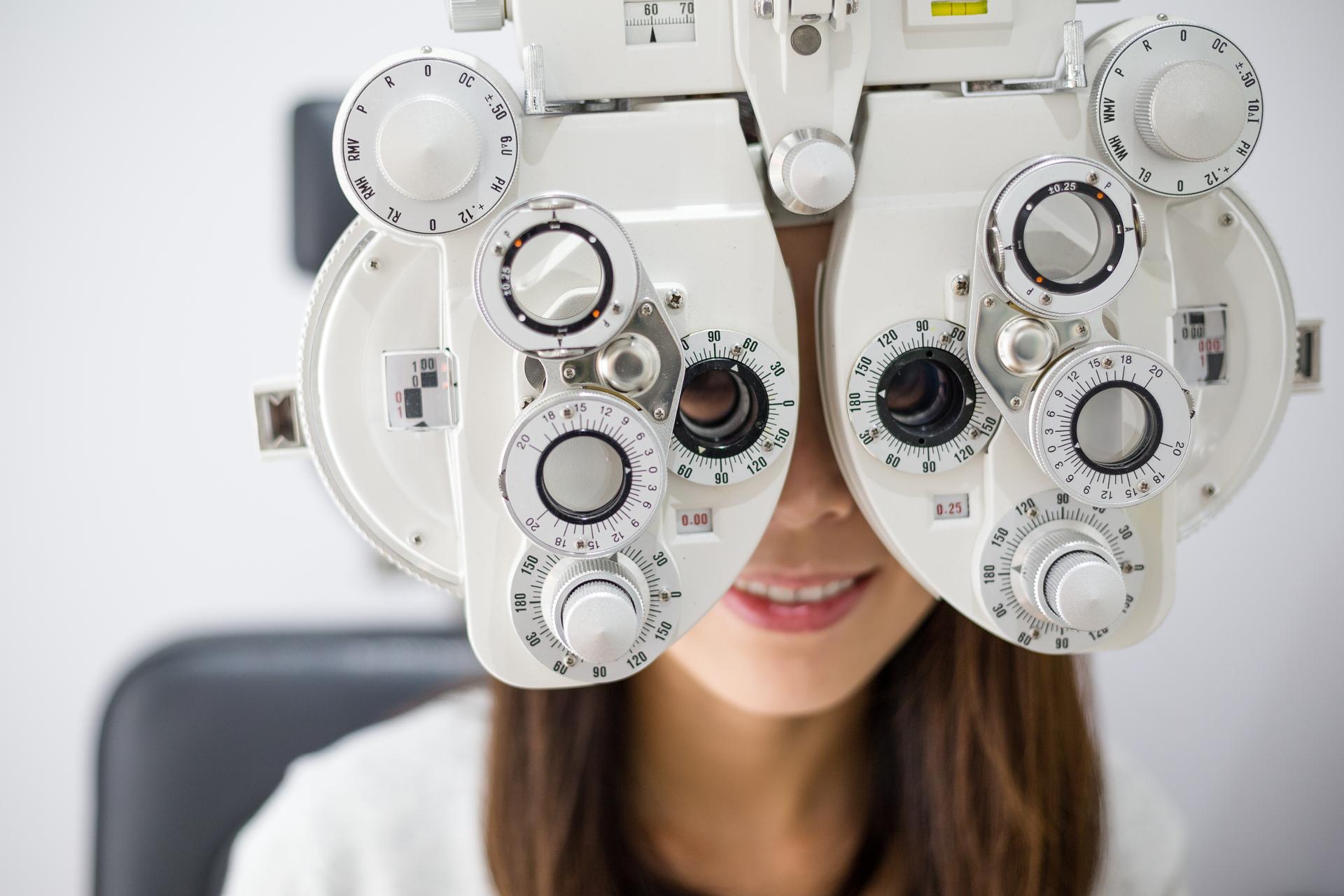 como se corrige el astigmatismo